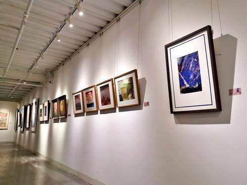 重庆艺术大市场·北仓艺术空间揭幕 百件名家新秀作品亮相